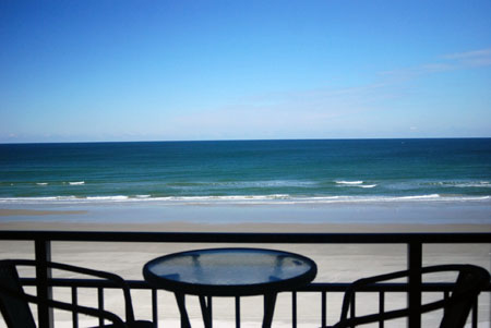 Hawaiian Inn – 1 Bedroom Oceanfront Condo – Sleeps 6-8