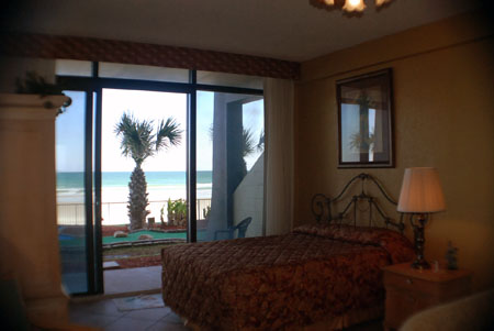 Hawaiian Inn – Oceanfront Studio – 1st floor – sleeps 2-4