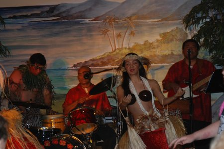 Hawaiian Inn – Hawaiian Dancers