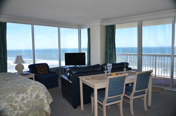 Daytona Beach Resort  – 10th floor studio