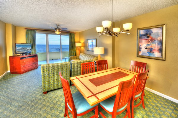 Wyndham s ocean walk resort timeshare condos daytona beach blog daytona beach florida for 2 bedroom hotel suites in daytona beach