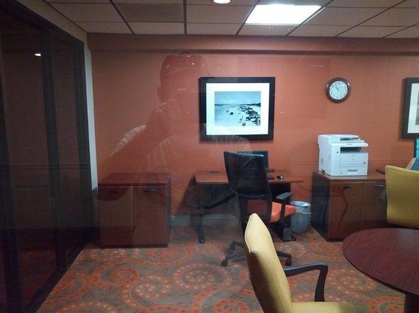 11a Guest Office Center
