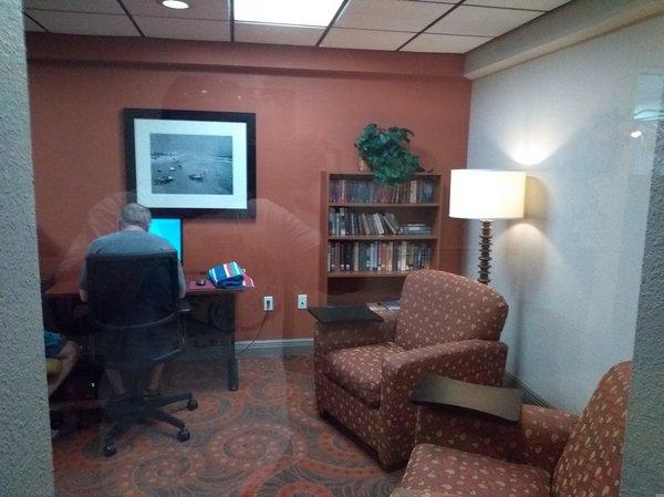 11b Guest Office Center