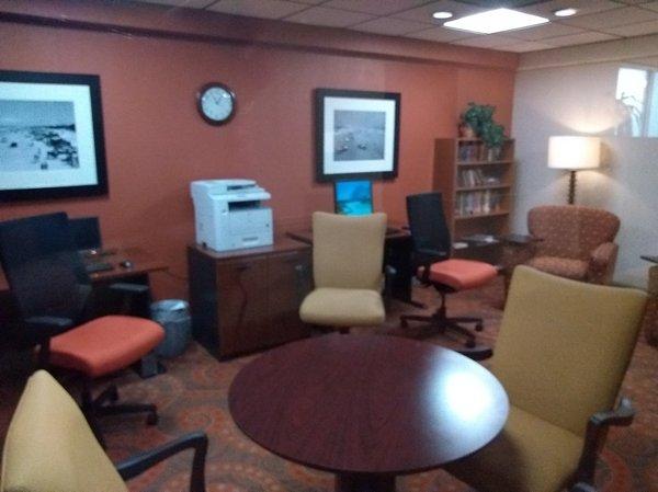 11 Guest Office Center